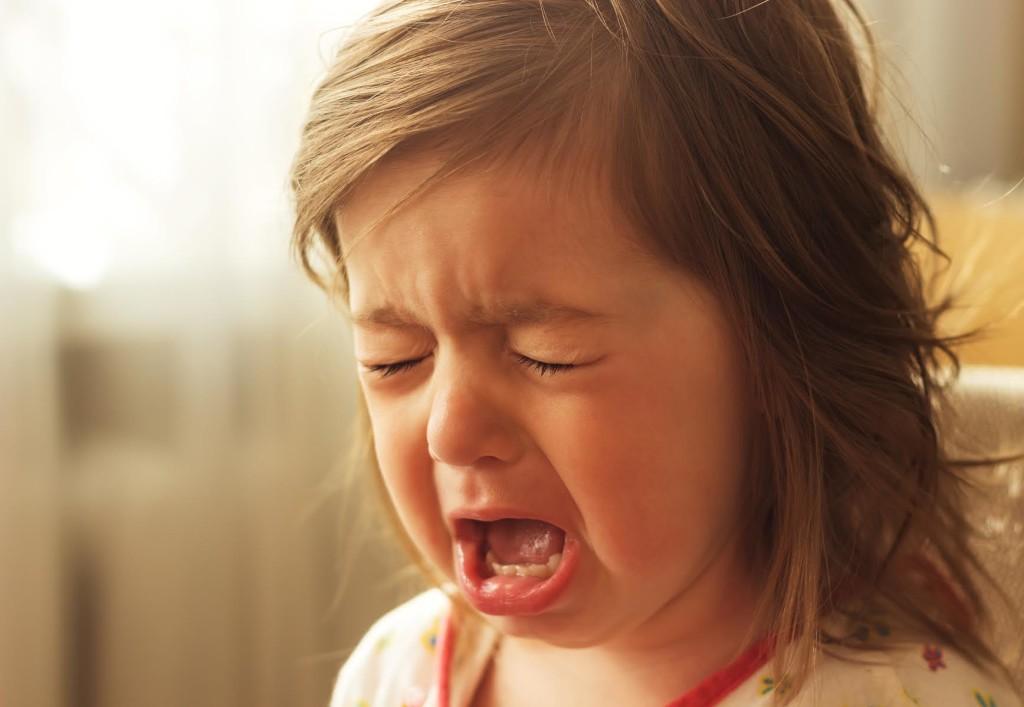 Как бороться с детскими капризами и истериками?