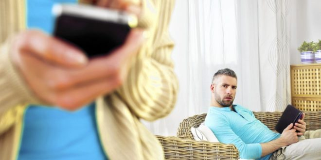 Как пережить предательство любимого человека: советы психолога