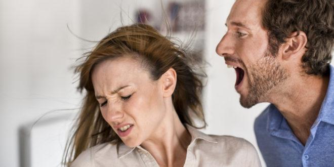 Почему муж оскорбляет и унижает жену: психология