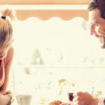 Если человек не смотрит в глаза при разговоре: мнение психолога
