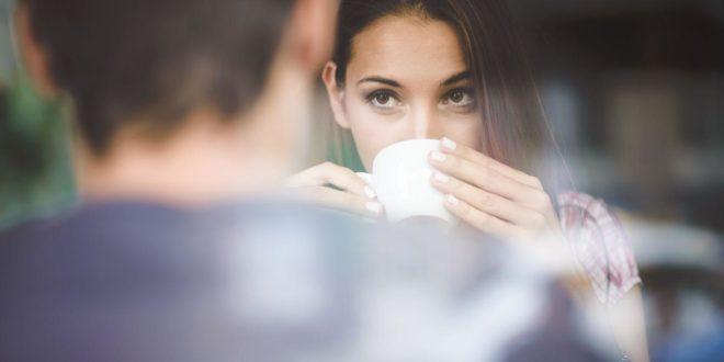 Как ведет себя мужчина, если ему нравится женщина, но он это скрывает